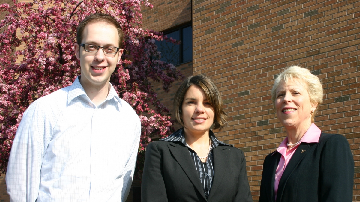2009 Faculty Awardees: Daniel Kaczmarek & Jamie Pimlott with Dr. McGlen