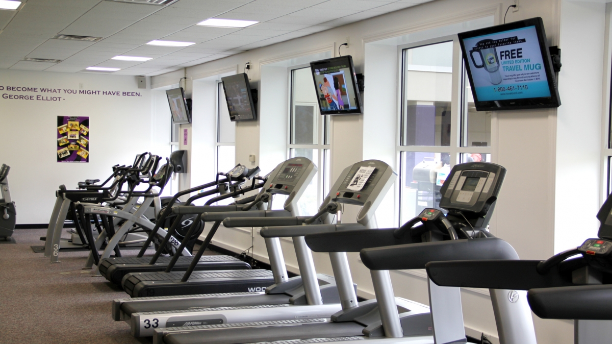 When you stay at Niagara, you'll have access to the Kiernan Center, our all-in-one recreation complex.