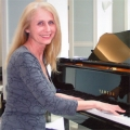 Maryliz Valli, '74: Sharing the Gift of Music